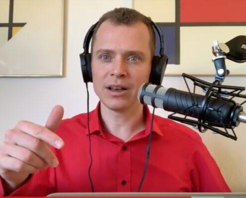 Jon Kjær forsøger at få Grethe fyret i podcasten