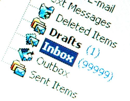For mange emails kan give stress og ødelægge din effektivitet